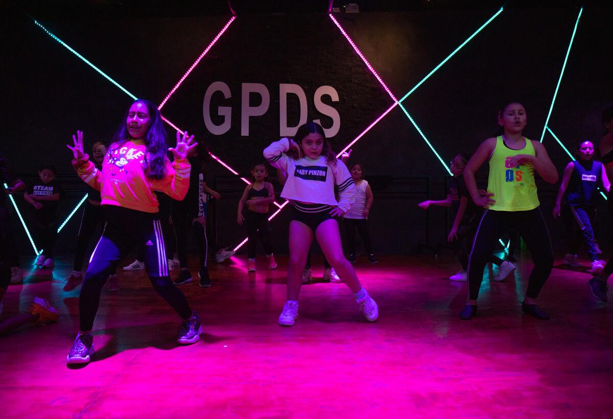 Portafolio-FullFrame-Photomkt-Gaby-Pinzon-Dancestudio-GPDS (3)