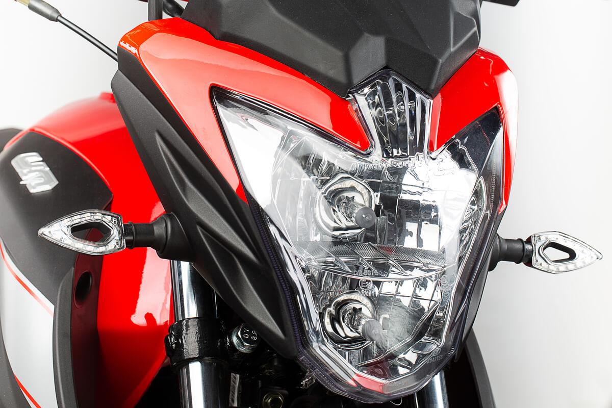 FullFrame-Photomkt-Portafolio-UM-Motos-F51-Fotografías-Close-Up (2)